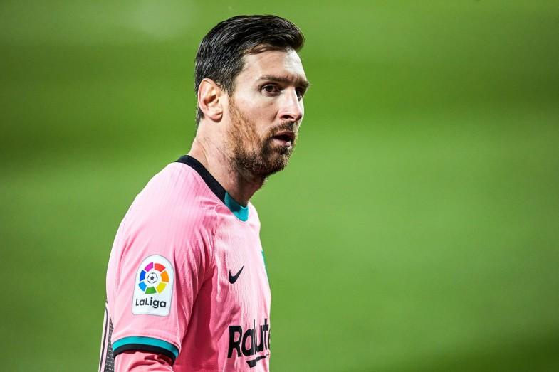 Jorge Messi dément la rumeur envoyant son fils au PSG
