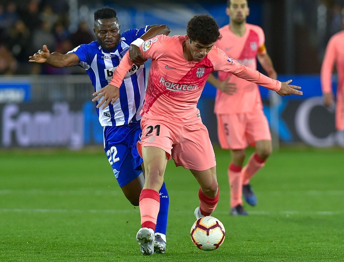 Le Barça prend une option sur le titre à Alavés (0-2)