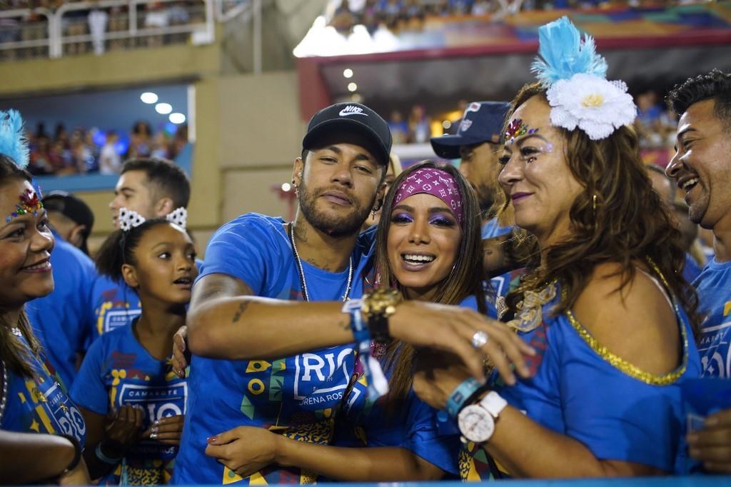 La mère de Neymar lâche une bombe !